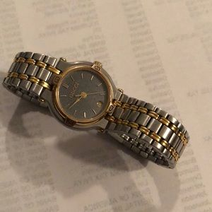 Gucci two tone watch new battery